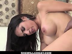 Tia Cyrus Ride BBC While Husband Is At Work