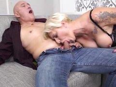 mature hottie mirella jacks off her boyfriend