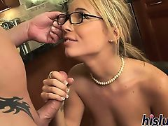 Intense anal session with a nerdy blonde